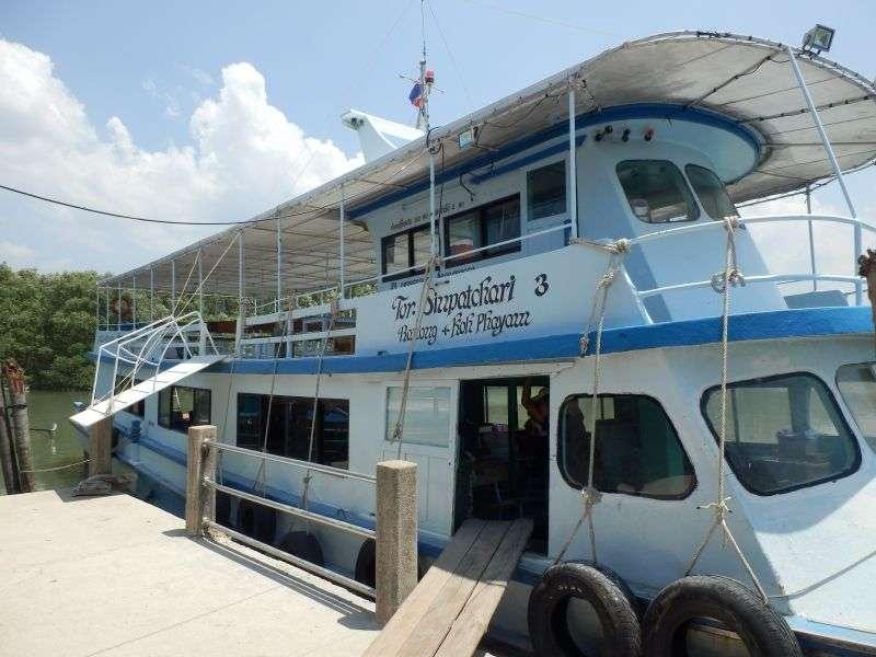 dieses Boot bringt uns nach Koh Phayam